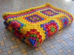 All sizes | Retro Granny Square Afghan | Flickr - Photo Sharing!