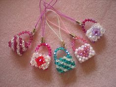 Today, I have been mostly making handbag charms! Beaded Purses, Beaded Bags, Beaded Jewelry, Beaded Bracelets, Ruby Jewelry, Beaded Earrings Patterns, Diy Earrings, Bead Embroidery Patterns, Beading Patterns