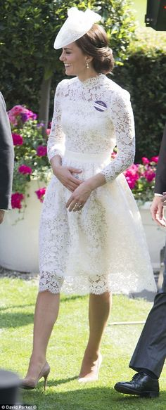 June 2017 - Kate Middleton emulates Diana in sheer white dress by Alexander McQueen at the Royal Ascot - Kate And Pippa, Kate And Meghan, The Duchess, Duchess Of Cambridge, Looks Kate Middleton, Pippa Middleton, Princesse Kate Middleton, Herzogin Von Cambridge, Princesa Kate