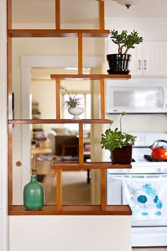 10 Versatile Tips AND Tricks: Easy Kitchen Remodel Ideas kitchen remodel bar half walls.U Shaped Kitchen Remodel Open Shelves kitchen remodel on a budget Remodel Layout Moldings. Apartment Decoration, Modern Apartment Decor, French Apartment, Apartment Furniture, Apartment Ideas, Diy Room Divider, Divider Ideas, Room Divider Shelves, Wall Shelves