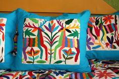 Multi color otomí almohada pieza con turquesa por CasaOtomi en Etsy