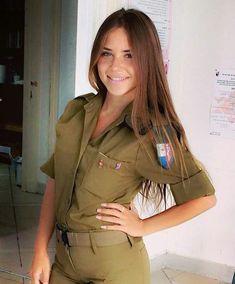 Beautiful And Hot Women In Israel Defense Forces - Israeli Army Girls - Stunning IDF Girls - Beautiful Women in Israel Defense Forces - Women in Uniform Idf Women, Military Women, Brave Women, Real Women, Israeli Female Soldiers, Pinup, Israeli Girls, Military Girl, Girls Uniforms