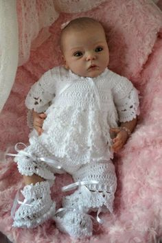 Reborn dolls, life like, life size babies created  by members and artists of the baby banter reborn doll forum