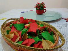 0089cc0cccb21 Festa Mexicana · Os nachos coloridos fazem as vezes de decoração. Pimenta  dedo de moça não pode faltar