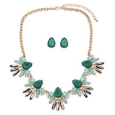 Mint Opal Green Glitter Statement Necklace Set $38.95 great for day or night!