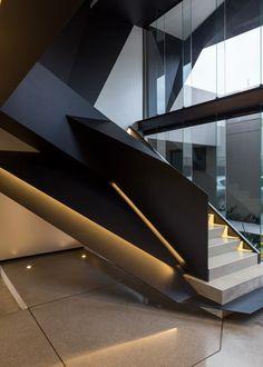 elegant-modern-staircase