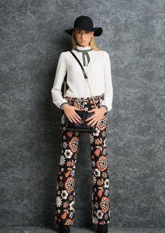 la moda va interpretata .. #swagstoretimodellalavita #swagstore x #sarahchole #swag #italy #fashion #love swagstore.it