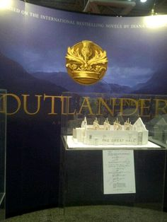 Outlander Mania Begins at New York Comic Con Day 1