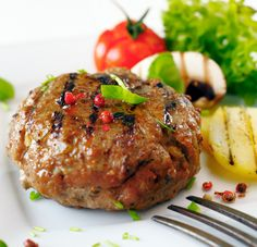 Garlic and Worcestershire Burgers Goat Recipes, Fodmap Recipes, Cooking Recipes, Healthy Recipes, Greek Recipes, Healthy Foods, Meat Patty Recipe, Patties Recipe, Beyond Diet Recipes
