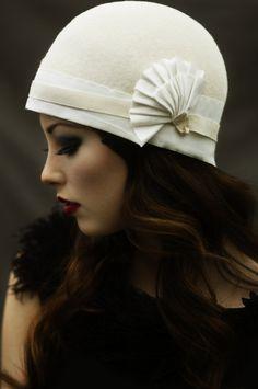 The Tennis Pleat Hat. (MaggieMowbrayHats on Etsy)
