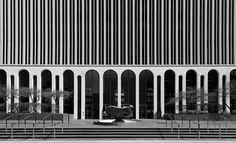 The stunning One M&T Plaza building in Buffalo (Architect Minoru Yamasaki, Arcade Architecture, Fascist Architecture, Commercial Architecture, Classical Architecture, Contemporary Architecture, Architecture Design, Brick Arch, Facade Lighting, Remodels And Restorations