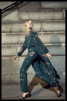 NUEVO - La Nuit Sur Le Pont - Women en Massimo Dutti online. Entre ahora y descubra nuestra colección de La Nuit Sur Le Pont - Women de Otoño Invierno 2016. ¡Elegancia natural!