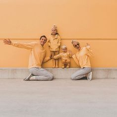 "Sending you some SUNSHINE this winter afternoon! We froze our bums off making this family ""camouflage"" photo come to life but it was… Family Portraits, Family Photos, Somewhere Devine, Mums The Word, Photography Day, Love Photos, Family Goals, Beautiful Moments, Photo Studio"