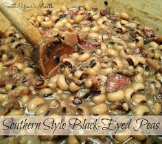South Your Mouth: Southern Style Black-Eyed Peas Healthy Recipes, Side Dish Recipes, Dinner Recipes, Cooking Recipes, Vegetarian Cooking, Crockpot Recipes, Southern Dishes, Southern Recipes, Southern Food