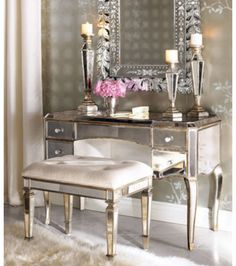 This is the Makeup vanity I have been wanting!!! It is gorgeous