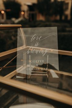 Elegant acrylic reception signage | Image by The Light & The Love