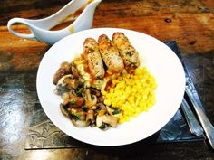Syn Free Homemade Sausages with Gravy - Slimming World Lunch Recipes, Summer Recipes, Syn Free Sausages, Slimming World Cake, Summer Drinks, Lunches And Dinners, Fried Rice, Risotto, Homemade