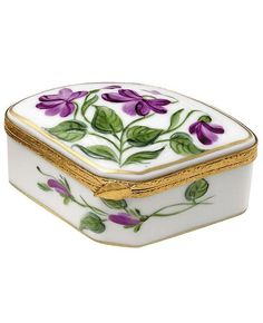 Vintage Limoges porcelain box, fan-shaped with violets Scully And Scully, Sweet Violets, Antique Boxes, Pretty Box, Tiny Treasures, China Painting, Porcelain Ceramics, Porcelain Tiles, Little Boxes