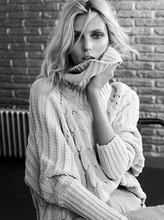 Anja, babe.. you don't really need to keep me warm under that jumper. I'm just a jewelry, you know.. #anjarubik #massimodutti