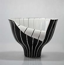 "Open necked vase ""Spacchi"" in black and white blown Murano glass by Ermano Toso (1903-1973) and Ercole Barovier (1889-1974), Venice, Italy"