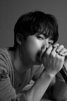"""kim seokjin (jin) bangtan sonyeondan (BTS) LOVE YOURSELF TEAR PHOTOSHOOT """"O"""" concept photo version black and white love yourself tear photoshoot black and white Jimin, Bts Jin, Jhope, Bts Bangtan Boy, Seokjin, Namjoon, Yoongi, K Pop, Park Ji Min"""