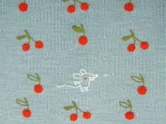 Bio Jersey Kirschkern spucken  kuschelweicher Bio Jersey mit süßen Kirschdruck, und einem frechen Mäuschen Supersüß für Kinderkleidung