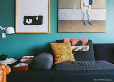 Casinha colorida: Home Tour: entre os estilos Tropical e Mid Century Modern
