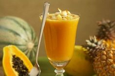 This delicious papaya, banana and pineapple smothie Papaya Smoothie, Juice Smoothie, Smoothie Drinks, Smoothie Recipes, Healthy Juices, Healthy Smoothies, Healthy Drinks, Healthy Eating, Healthy Recipes