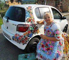 she paints her life Hippie Car, Car Paint Jobs, Volkswagen, Car Interior Decor, Hungarian Embroidery, Car Mods, Automotive Art, Diy Car, Cute Cars
