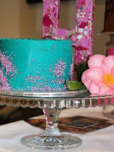 Turquoise & pink sprinkle single tier cake