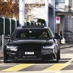 All black RS6 • Follow @audi_automotive • • For more exclusive content • • www.Madwhips.com ____________________________ • Photo by : @srs_swissrichstreets •