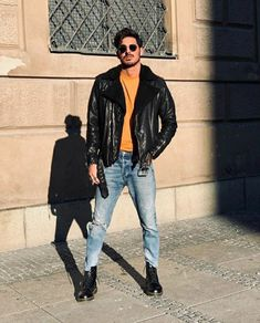 Stylish Mens Outfits, Casual Outfits, Fashion Outfits, Dr Martens Men, Outing Outfit, Outfits Hombre, Leather Jacket Outfits, Mens Boots Fashion, Photography Poses For Men