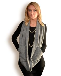 ALICIA KEYS OWNS this Scarf Infinity Circle Scarf with Pockets avail.black (wool only) , grey and wine. $90.00, via Etsy.