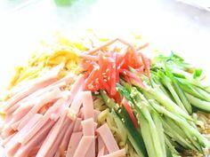 醤油だれ&ごまだれ✿基本の冷やし中華✿の画像 Celery, Asparagus, Vegetables, Recipes, Food, Studs, Recipies, Essen, Vegetable Recipes