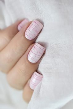 Looking for some nail art inspiration? Check out this list of 40 incredibly unique and cute manicure ideas that are so perfect for this season! Nail Art At Home, Nail Art Diy, Easy Nail Art, Galeries D'art D'ongles, Nail Art Designs, Jolie Nail Art, Rose Nails, Pretty Nail Art, Nail Manicure