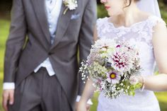 Locally grown flowers for weddings in the West Midlands. Photo www.lizziebaylissphotography.co.uk