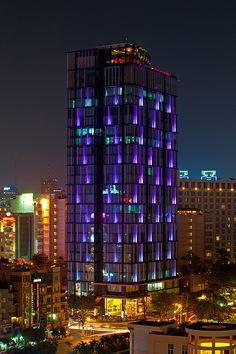 vietnam - saigon B tower - saigon - south vietnam Light Architecture, Amazing Architecture, Architecture Design, Laos, Facade Lighting, Exterior Lighting, Beautiful Buildings, Beautiful Places, South Vietnam