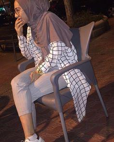 25 New Ideas for fashion hijab kuliah Modest Fashion Hijab, Modern Hijab Fashion, Street Hijab Fashion, Hijab Fashion Inspiration, Hijab Casual, Islamic Fashion, Hijab Chic, Hijab Outfit, Muslim Fashion