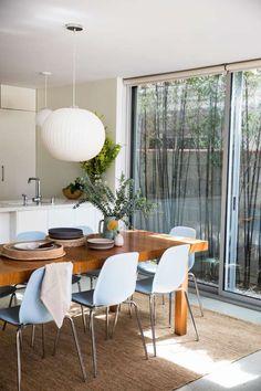 Дом дизайнера Jodie Fried — светлый и просторный, с открытой планировкой, прекрасным внутренним двориком, соединяющим интерьер и экстерьер