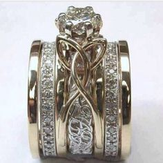 Beautiful. Love knot workif I ever find the right one