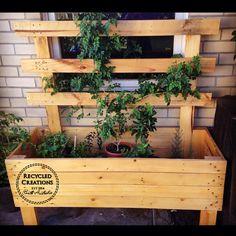 Pallet planter box with lattice Wood Pallet Planters, Wood Pallets, Western Australia, South Australia, Cool House Designs, Planter Boxes, Garden Beds, Trellis, Furniture Decor