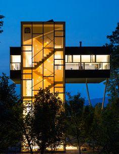 Tower House | GLUCK+; Photo: Paul Warchol | Bustler