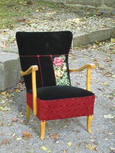 Ruustinna. Kirpparilta ostettu ristipistotaulu päätyi vanhan nojatuolin selustaan.