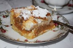 Æblekage – min mors bedste opskrift | Quinoa Salad Recipes, Cake Cookies, Tart, Cake Recipes, French Toast, Bacon, Deserts, Food And Drink, Nutrition