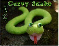 Hiss! Diese Schlangen sind leicht zu nähen und so viel Spaß zu spielen. Mit diesem PDF-Schnittmuster wirst du drei Auswahlmöglichkeiten von Schlangen zu machen: eine grundlegende Schlange, eine kurvige Schlange und ein aufgerollter Schlange. Alle Schlangen sind die offenen Mäuler mit langer, gespaltener Zunge und großen dummen Augen. Schlangen machen große einfach Nähen Geschenke für Babys und Kinder jeden Alters.  Dieses Angebot gilt für eine digitale PDF-Schnittmuster. Es wird Ihnen sofort…