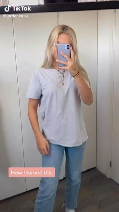 Something to pass the time during self quarantine stay home and stay safe I hope this can help Teen Fashion Outfits, Casual Outfits, Cute Outfits, Diy Fashion Hacks, Fashion Tips, Diy Kleidung, Diy Clothes Videos, Clothing Hacks, Sewing Clothes