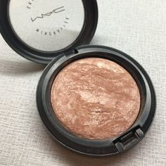 MAC Soft and Gentle Highlighter Authentic. It is a warm tone, champagne highlighter that looks beautiful in any skin tone. Used and has been sanitized with an alcohol pad. Still has about 70% product left. MAC Cosmetics Makeup Luminizer