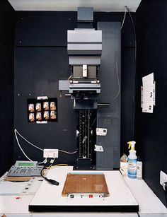 Seeing a photo enlarger is so rare these days :(