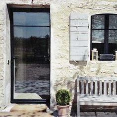 Porte vitrée métallique Chambord, Provence, Sweet Home, Barn, Construction, Parfait, Exterior, Windows, Front Doors