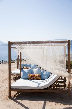 Experimental Beach Ibiza #cabinmax https://cabinmax.com/leisure/127-cabin-max-packable-backpack-0616983191958.html?search_query=ibiza&results=2